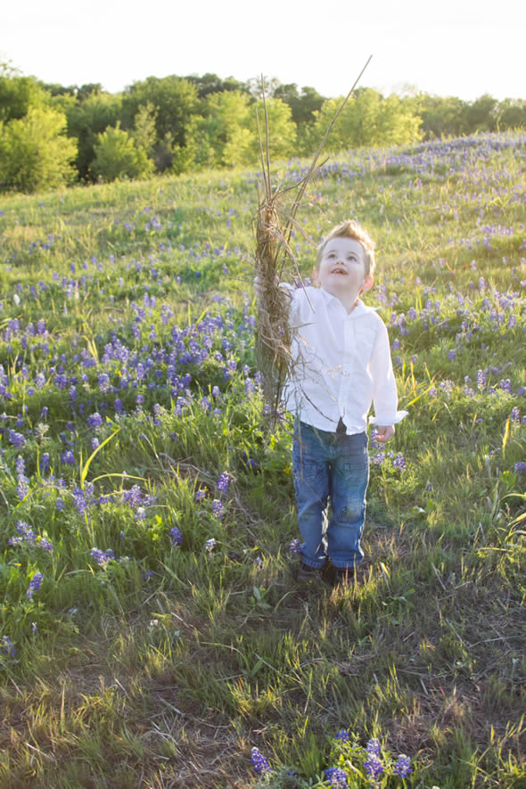 | 5 Tips for Taking Texas Bluebonnet Photos with Kids