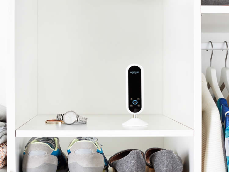 | Amazon Echo Look - The Hands Free Camera Selfie Lovers Will Adore